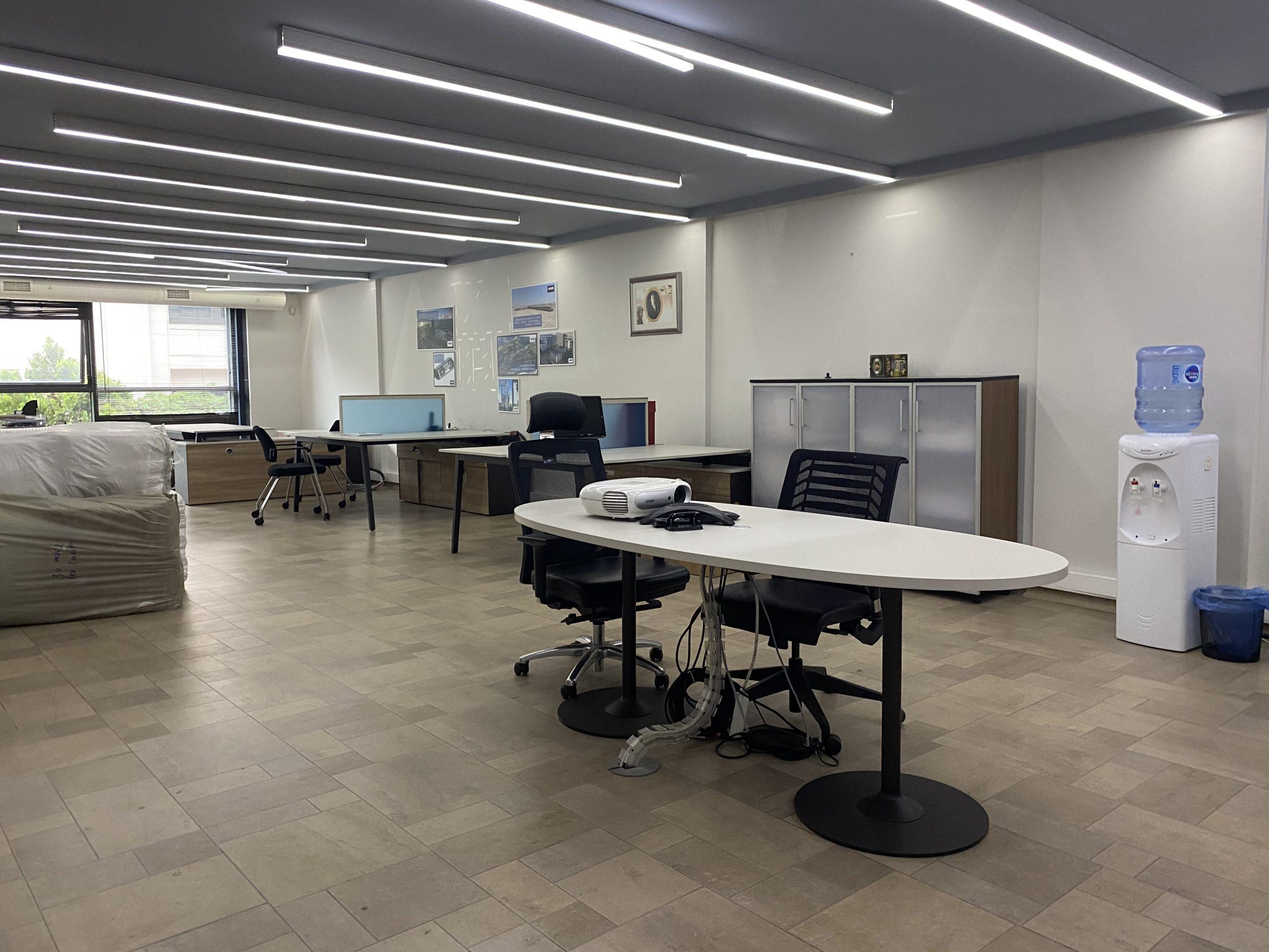 Nişantaşı Abdi İpekçi' de Otoparklı Güvenlikli 600m² Kaliteli Merkezi Köşe Ofis Satılık